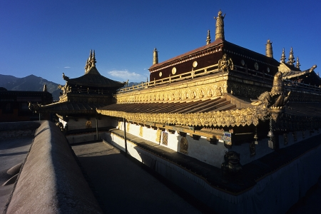 The rooftop of the temple at Jokhang Monastery